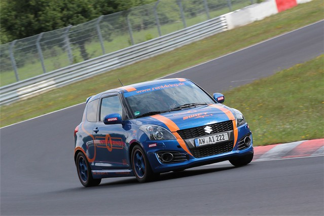 Suzuki Swift Sport Rent4Ring 5