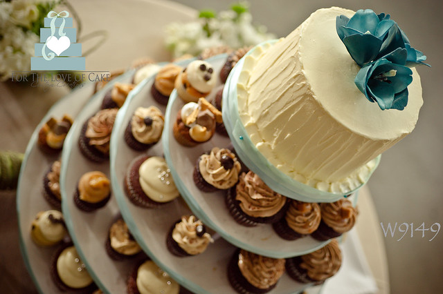W9149-wedding-cupcake-tower-toronto