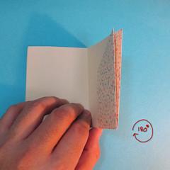 วิธีพับกระดาษเป็นผีเสื้อหางแฉก 017
