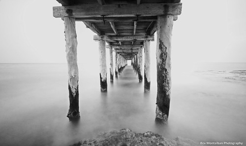 mayan palace pier long exposure