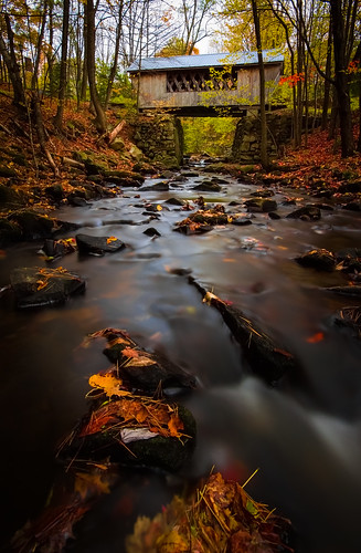 autumn fall river bride newengland newhampshire foliage coveredbridge brook gilford tanneryhillcoveredbridge cliffordphotographynhcom
