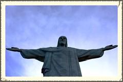 Aos pés do Cristo