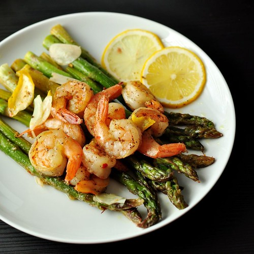 Often times, the best dinner is homemade, like this Shrimp Asparagus. Simple and delicious! Agreed? Made with Tatung #FusionCooker #waterlesscooking | by DelishPlan