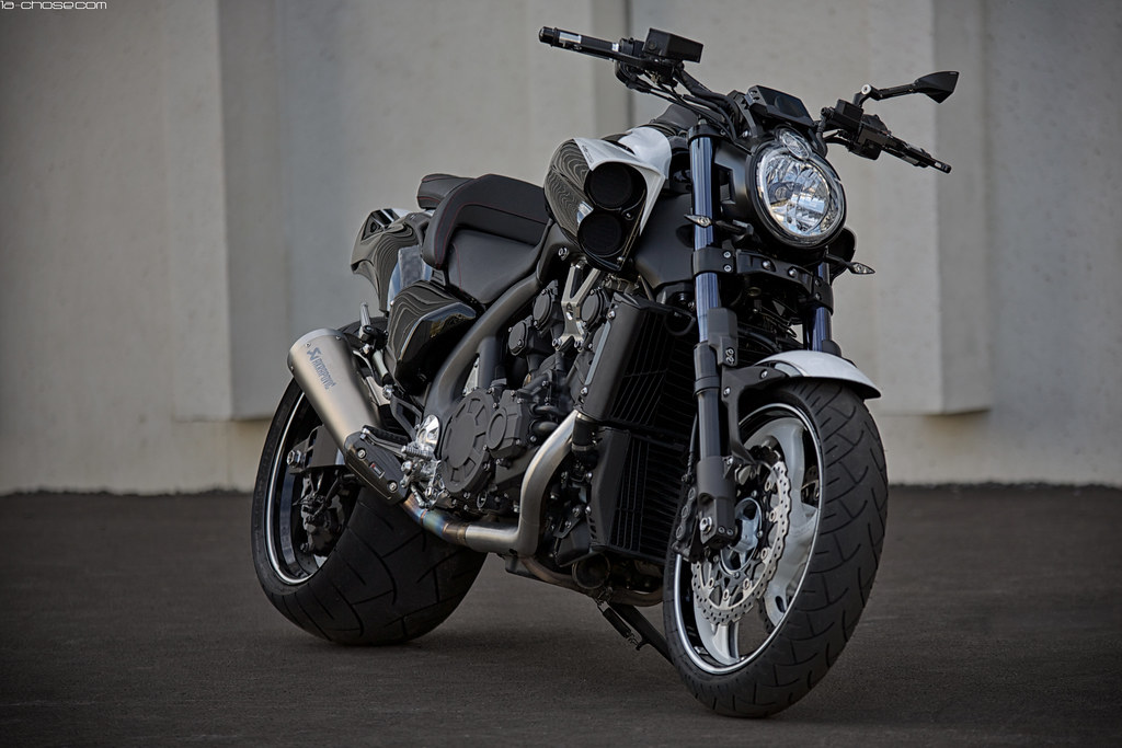 Yamaha Vmax black white | with a 300 rear wheel | Flickr