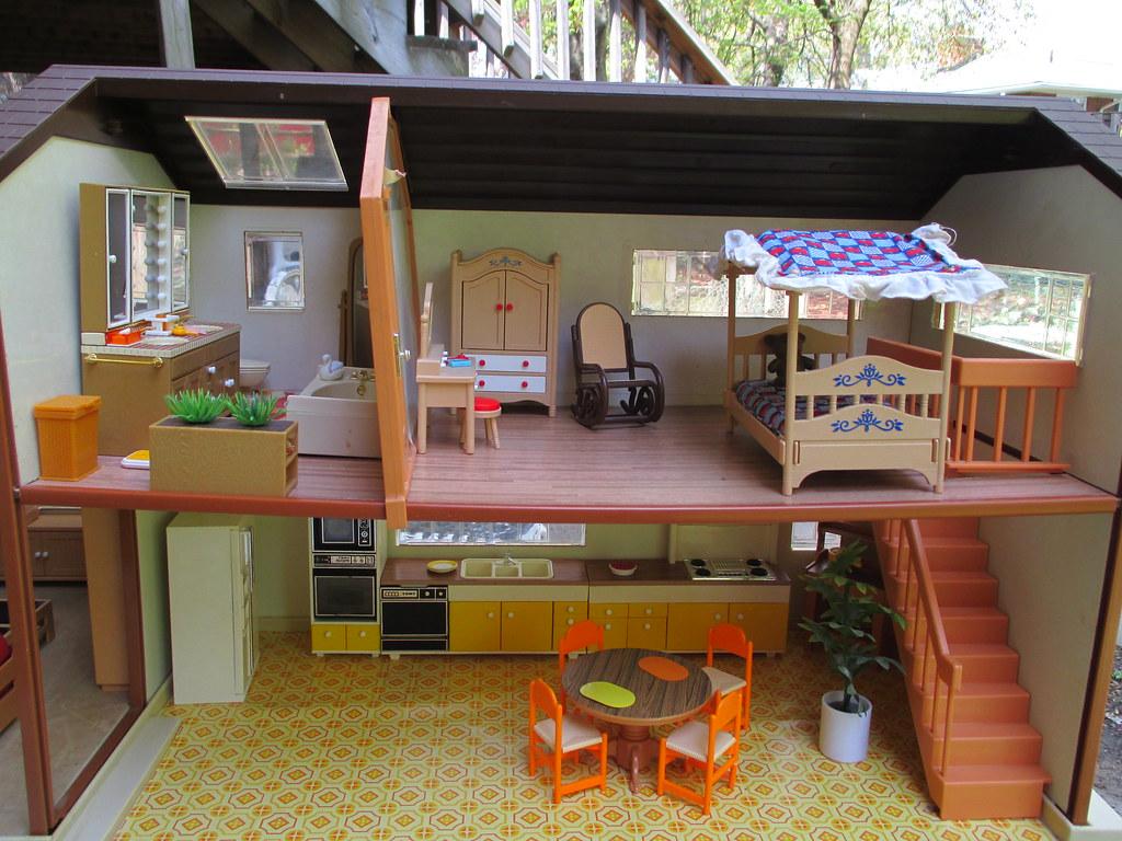 TOMY SMALLER HOMES DOLLHOUSE ~ BATHROOM SCALES