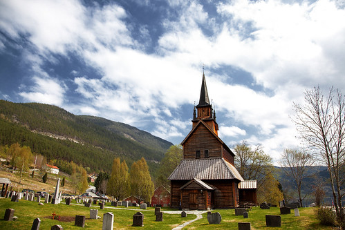 kaupanger_stave_church_20130522_1332733468