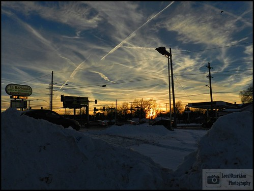 sunset sky snow clouds eveningsky ozarks springfieldmissouri snowmounds plowedsnow southwestmissouri localozarkian greencountymissouri