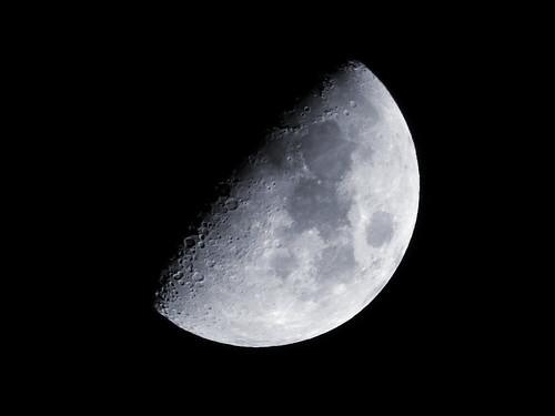 moon cold night newhampshire gimp dry olympus omd em5 microfourthirds aftershotpro mzuiko75300mm