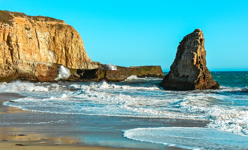 california beachscape beach walking waterways waves seashore seascape exploration travelling travelformyjob tourism outdoors
