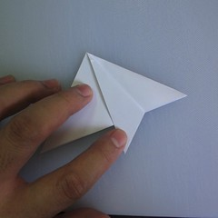 วิธีพับกระดาษเป็นรูปดอกลิลลี่ 003