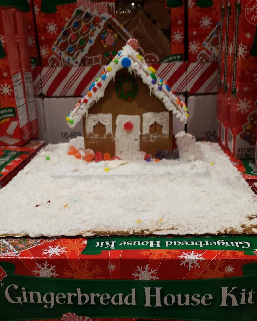 Christmas Gingerbread House Kit.Gingerbread House Kit Christmas Display At A Harris Teeter