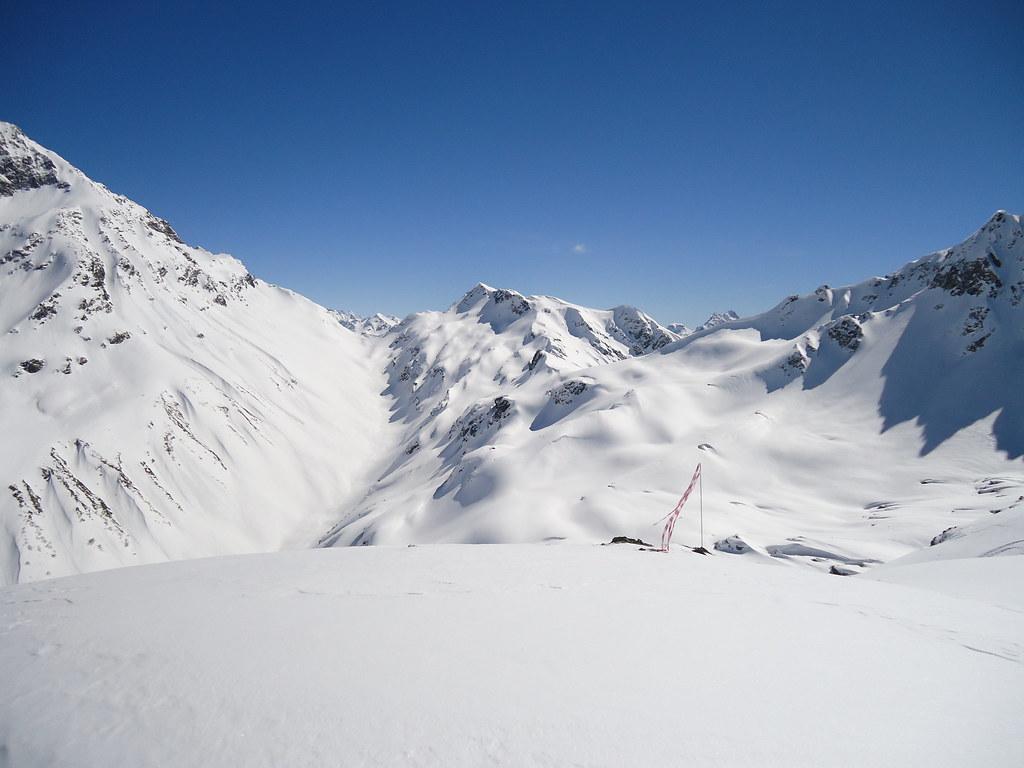 Pure-ski-company-helicopter-service-RUSSIA-HELISKIING-027