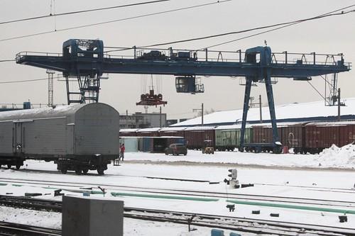 Gantry crane in the Paveletskaya freight yard in Moscow