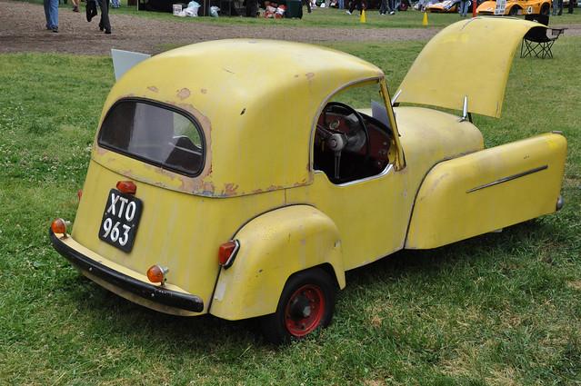 1957 Bond Minicar