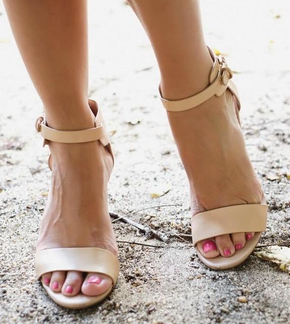 Feet & Shoes (3506)