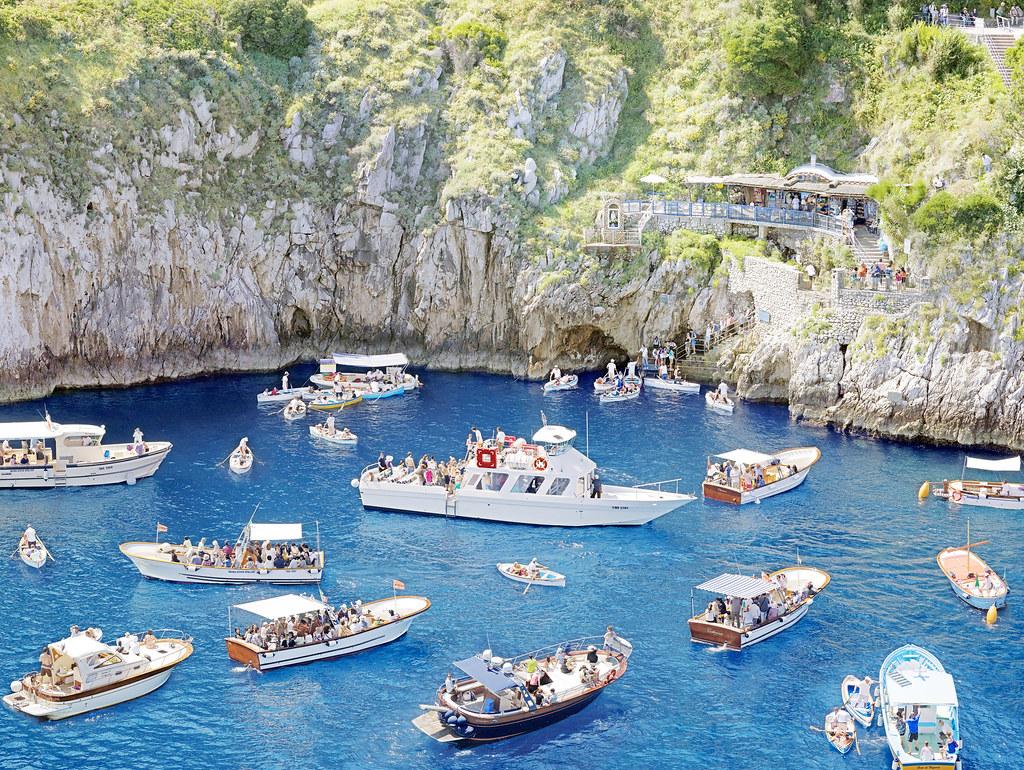 Resultado de imagem para grotta azzurra capri