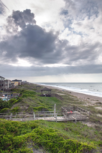 family homes vacation sky cloud beach sand dunes shore emeraldisle rentals