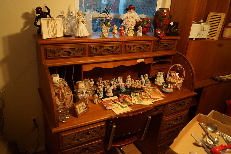 Huge Estate Sale! Castle Rock, WA August 23, 24 & 25 - 2013! Photo #DSC04781