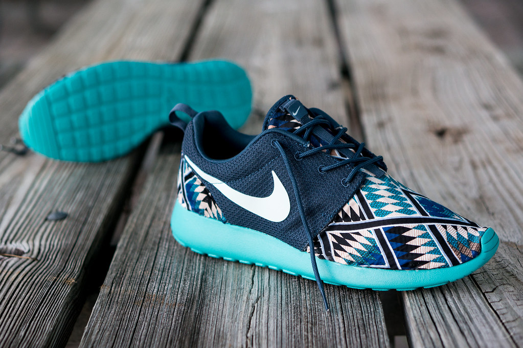 267b2d5bcf758 ... Nike Roshe Run Customs - Tribal Blue