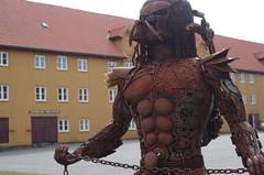 metalwork Predator, Stavern