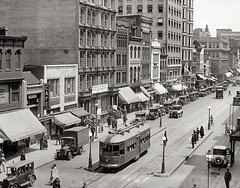 Streetcar in 1924 at the intersection of F Street and14th NW