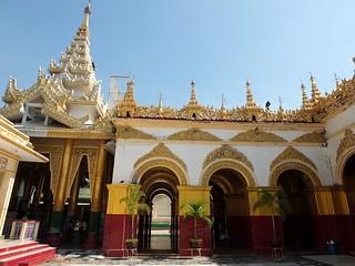 Mandalay Mahamuni Pagoda | by hobgadlng