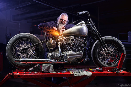 the Mechanican - II - lightpainting   by Ralph Oechsle