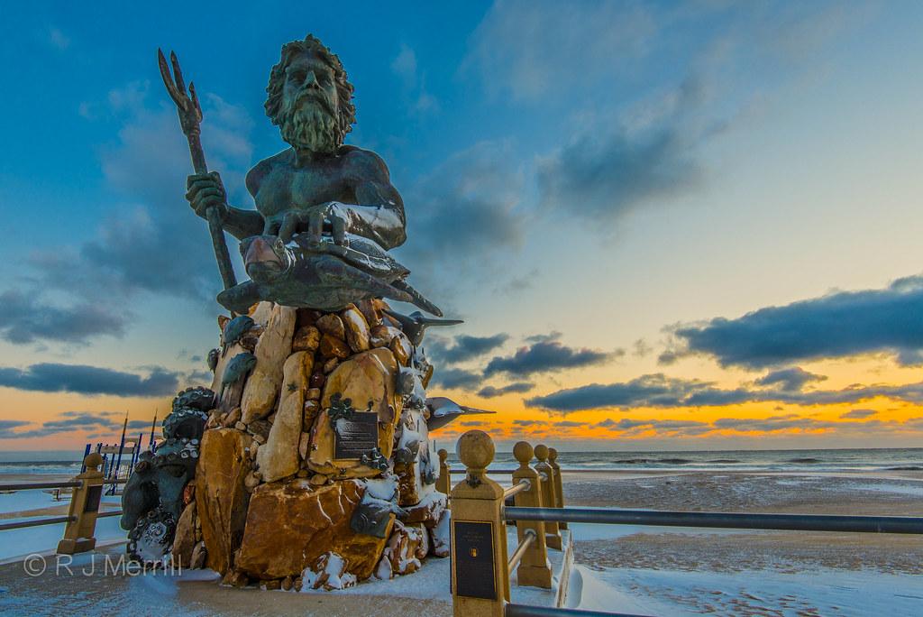 King Neptune | A frozen King Neptune at sunrise. Virginia Be… | Flickr