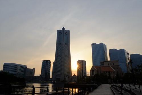 sunset sky cloud sun building japan yokohama minatomirai