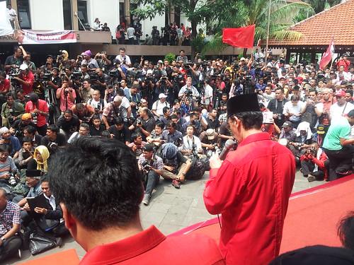 Prof. Hamka Haq sedang baca doa pd acara Deklarasi pasangan Jokowi - Jusuf Kalla di Gedung Juang 45 Jakarta 19 Mei 2014 | by hamkahaq