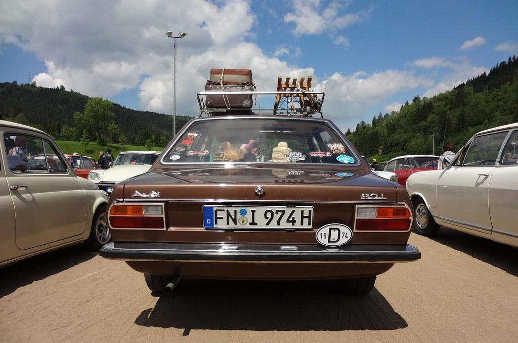 Audi 80 L B1 (1974) Limousine 4-türig braun Typ 80 Foto ...