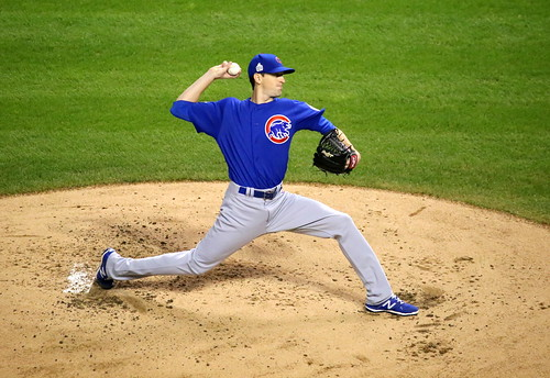 Cubs starter Kyle Hendricks delivers a pitch during the first inning of World Series Game 7. | by apardavila