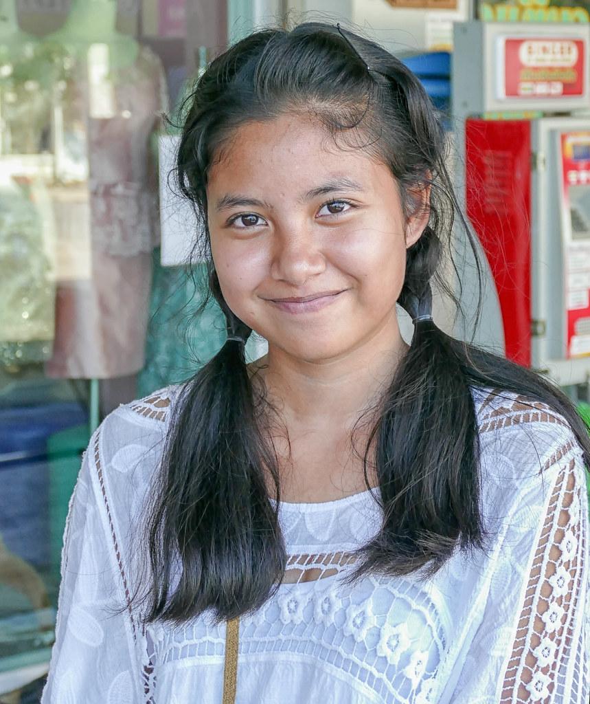 Cute Thai girl, Bangkok   Gösta Knochenhauer   Flickr