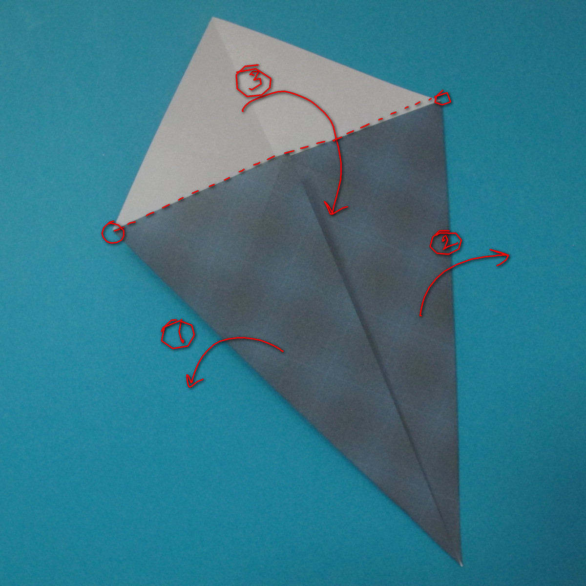 วิธีการพับกระดาษเป็นรูปนกเค้าแมว 003