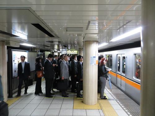 銀座線新橋駅 / Shimbashi Station (Ginza Line)