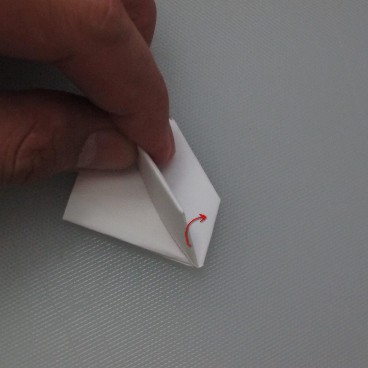 วิธีการพับกระดาษเป็นรูปกระต่าย 011