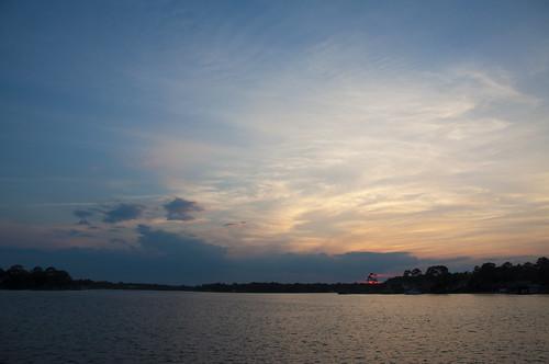 sunset usa water nikon wasser unitedstates florida cloudy fortwaltonbeach ftwaltonbeach fwb okaloosacounty d5000 cincobayou fisherbray