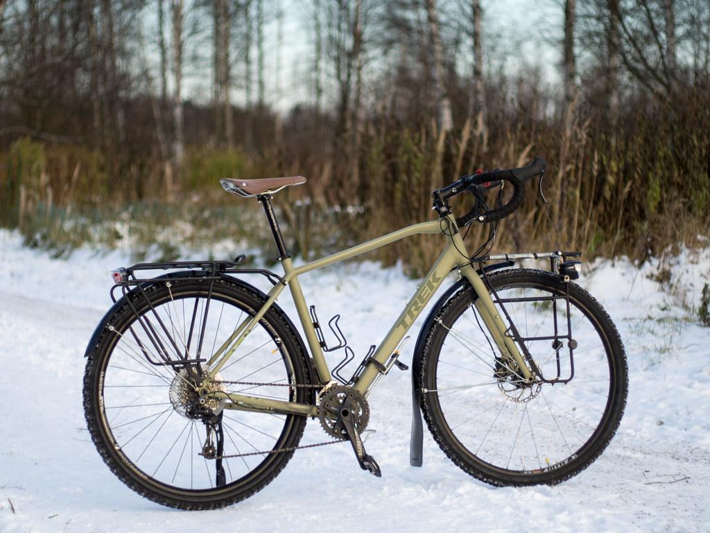 130101fd571 Trek 920 Disc winterized   54-622 Suomi Tyres W240 studded t…   Flickr