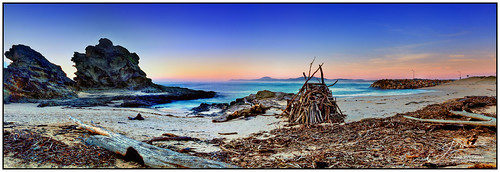 outdoor landscape photoborder water beach sand seaweed rock sky clouds cokin gnd filter dawn newsouthwales australia