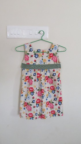 Dress t from Sew Sweet Handmade by Yuki Araki , size 100 cm.