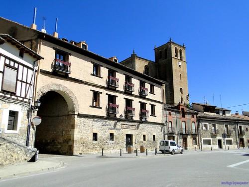Peñaranda de Duero   by santiagolopezpastor