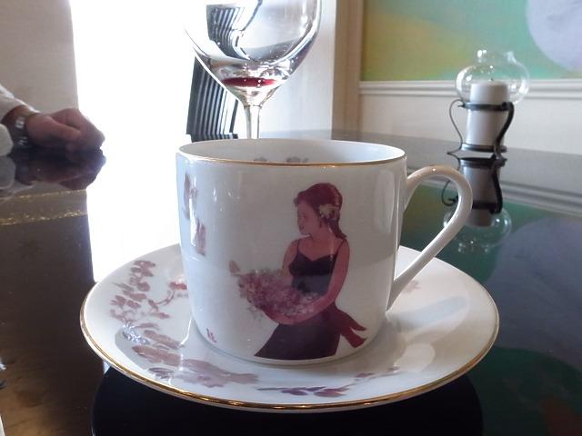 <p>h)食後のコーヒーは私</p>
