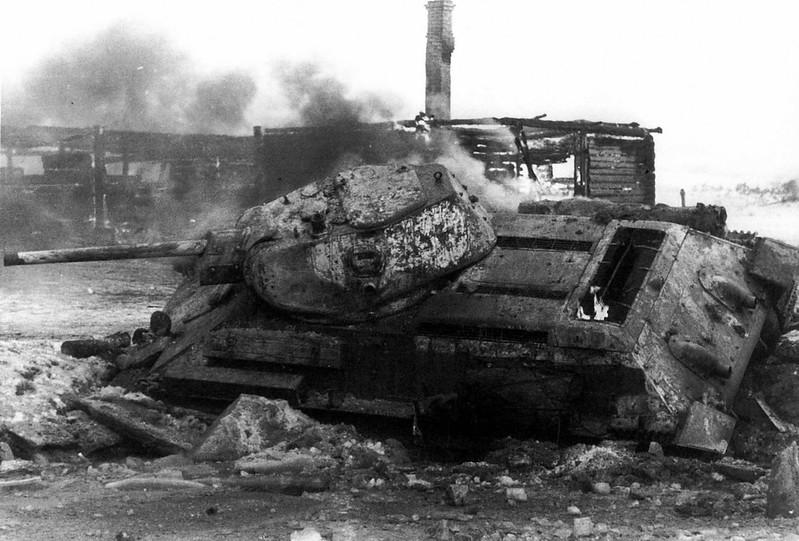 Tank T-34 (100)