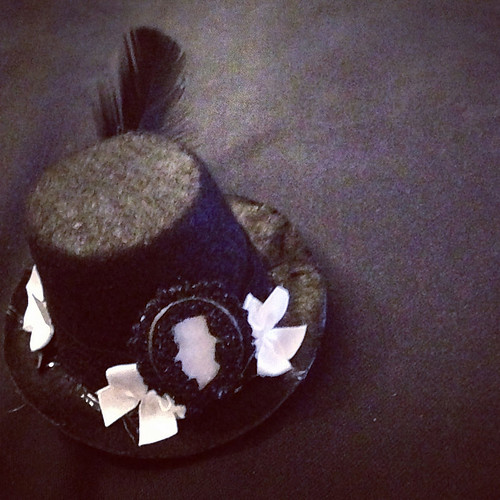 laser cut felt cameo on tiny top hat 2