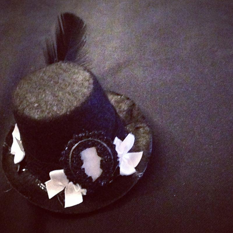 laser cut felt cameo on tiny top hat 2
