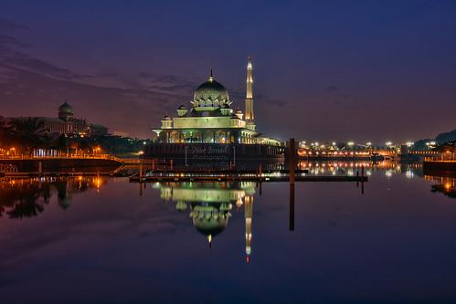 nightphotography sunrise nikon mosque bluehour putrajaya hdr masjid perdanaputra putramosque hdrphotography nighthdr masjidputra d7100 putrajayalake hdratnight sifoocom tasikputrajaya nikond7000 nikond7100 nurismailphotography nurismailmohammed nurismail