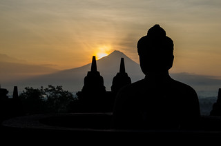 Sunrise at the borobodur | by Eric Burgers
