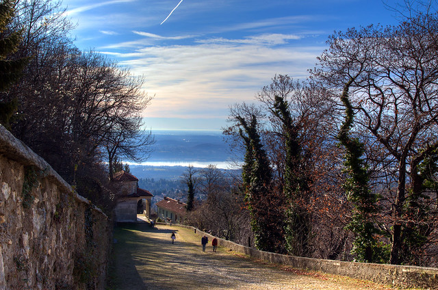 Salendo al Sacro Monte di Varese - Climbing to Varese's Sacro Monte