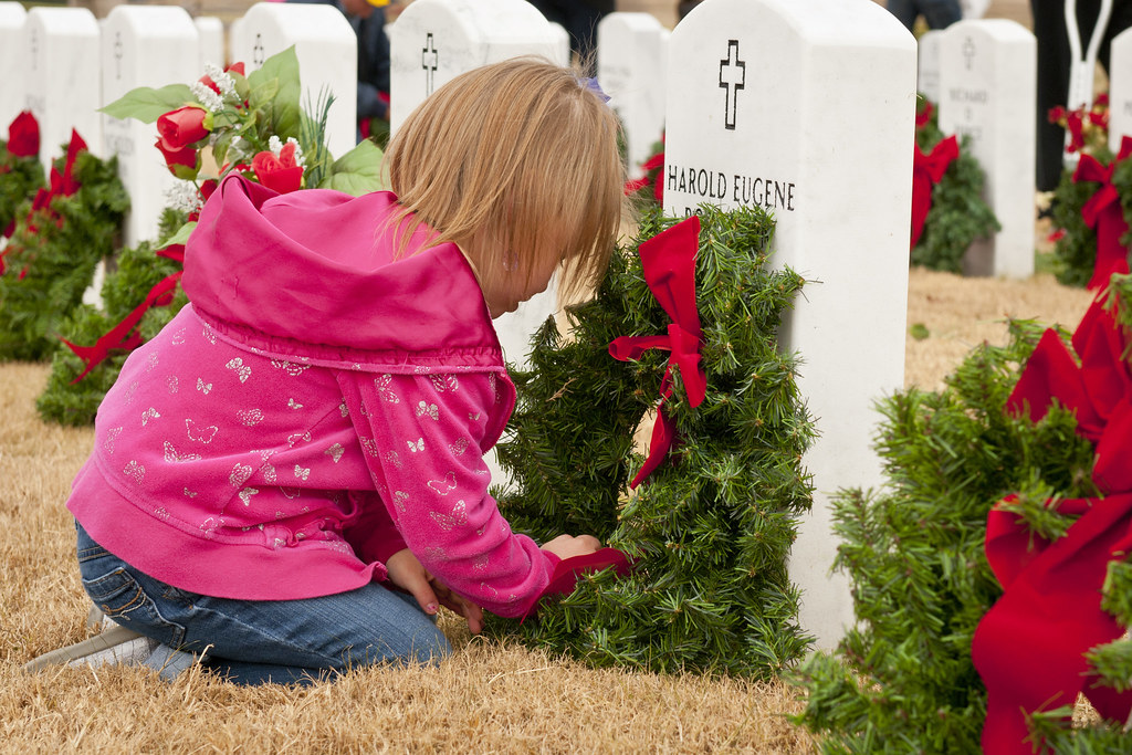 Christmas love from a child to a fallen hero [Image 1 of 15]