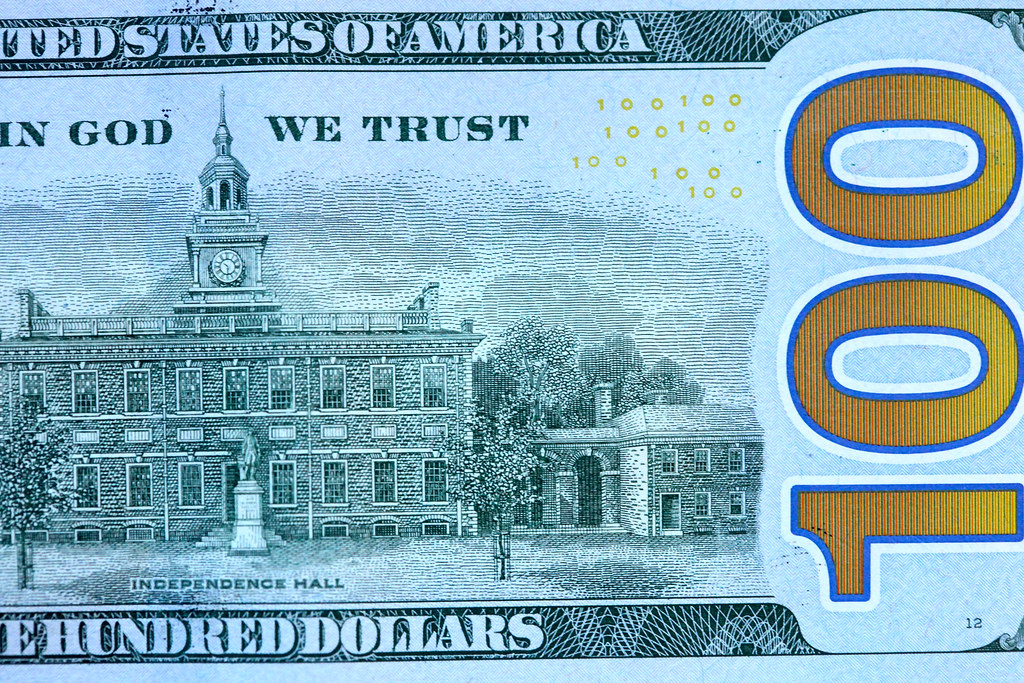 The new vs  the old American 100 dollar bill | The new 100 d